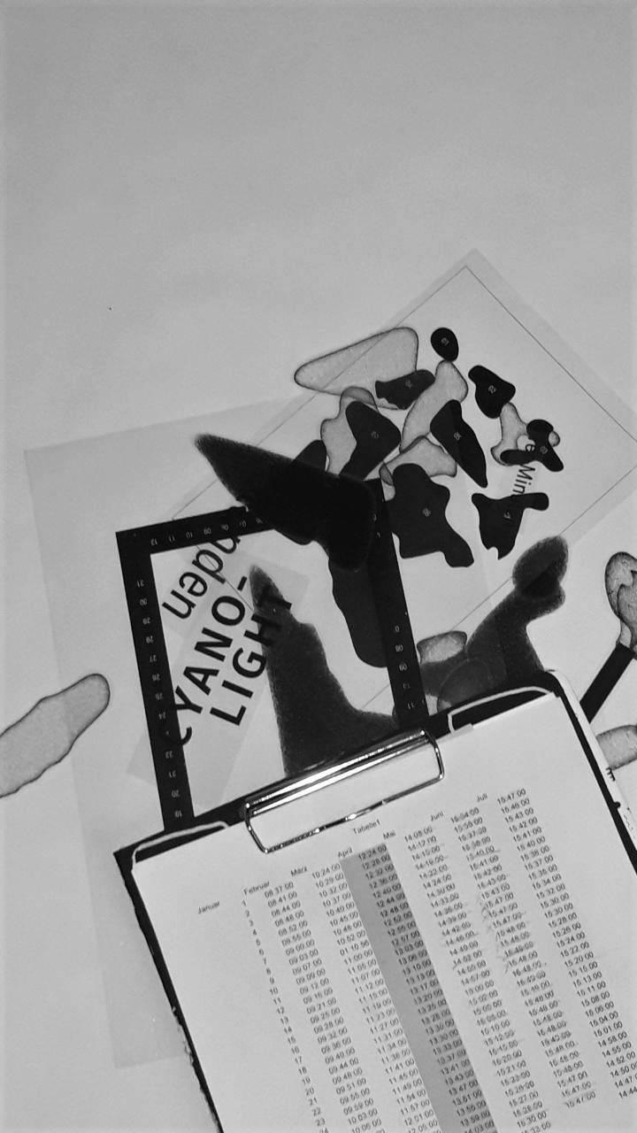 Amelie Perzlmaier / Cyanolight / Um die entstehenden Grafiken dem jeweiligen Tag zuordnen zu können, entstand ein Kalender.